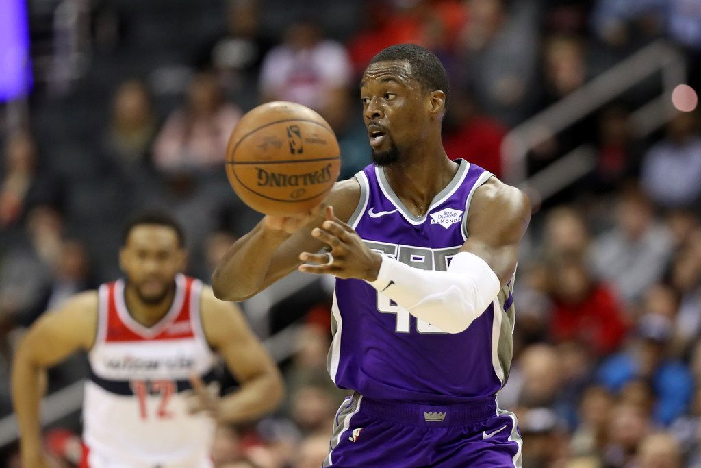 WASHINGTON, DC - MARCH 11: Harrison Barnes #40 of the Sacramento Kings passes the ball against the Washington Wizards at Capital One Arena on March 11, 2019 in Washington, DC. NOTE TO USER: User expressly acknowledges and agrees that, by downloading and or using this photograph, User is consenting to the terms and conditions of the Getty Images License Agreement. (Photo by Rob Carr/Getty Images)