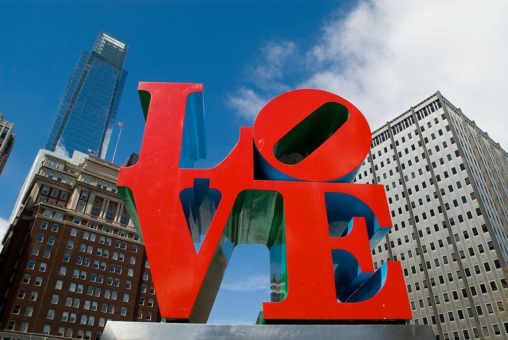 """Una versión de la escultura """"Love"""" de Robert Indiana's en Fildelfia, Pensilvania. ( Richard B. Levine) (Photo by Richard Levine/Corbis via Getty Images)"""