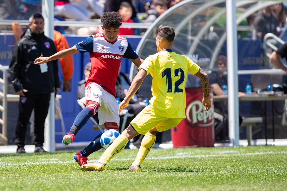 DALLAS, TX - APRIL 14: Kevin Bonilla of FC Dallas traps the ball during the Dallas Cup Super Group soccer game between FC Dallas (USA) and Villareal (Spain) on April 14, 2019 at The Cotton Bowl in Dallas, Texas.  (Photo by Matthew Visinsky)