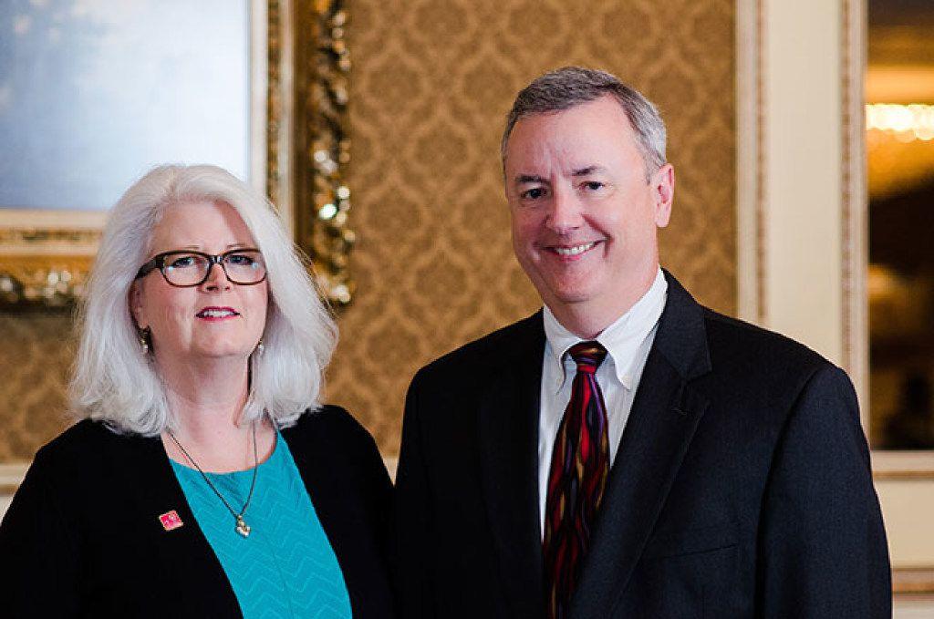 Tom Falk, CEO of Kimberly-Clark, and his wife Karen.
