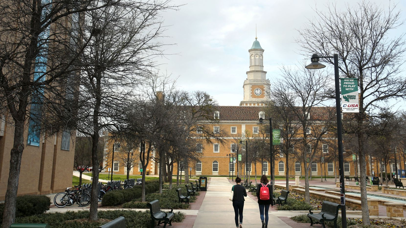 Students make their way around campus at the University of North Texas in Denton. (Vernon Bryant/The Dallas Morning News, File)