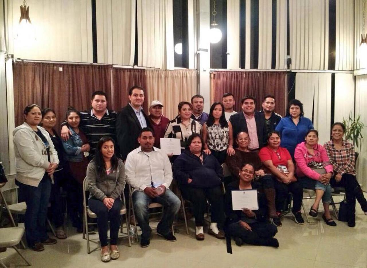 """Miembros del club Morelenses en Texas """"Tepalcingo Unido"""" durante la visita la Secretaría de Desarrollo Social, Blanca Estela Almazo Rogel del estado de Morelos al Norte de Texas. CORTESÍA"""