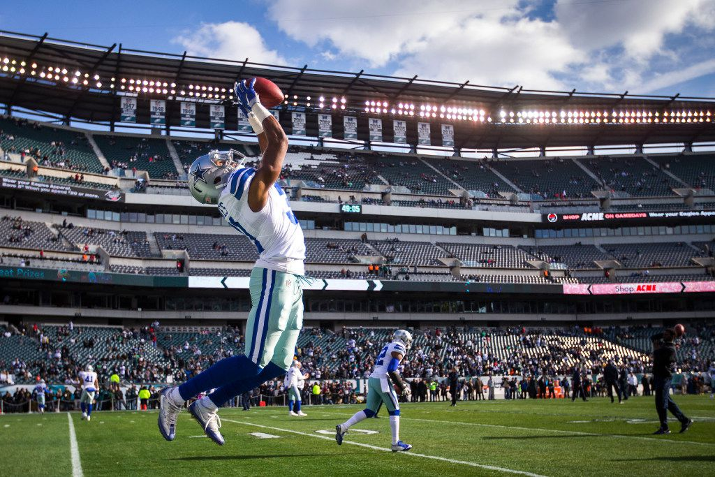 Dallas Cowboys free safety Byron Jones (31) warms before an NFL football game against the Philadelphia Eagles at Lincoln Financial Field on Sunday, Jan. 1, 2017, in Philadelphia. (Smiley N. Pool/The Dallas Morning News)