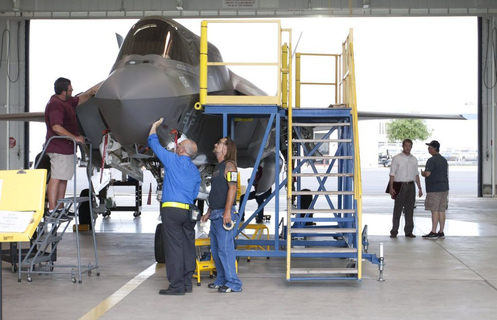 Lockheed Martin to hire 400 people in Fort Worth for F-35