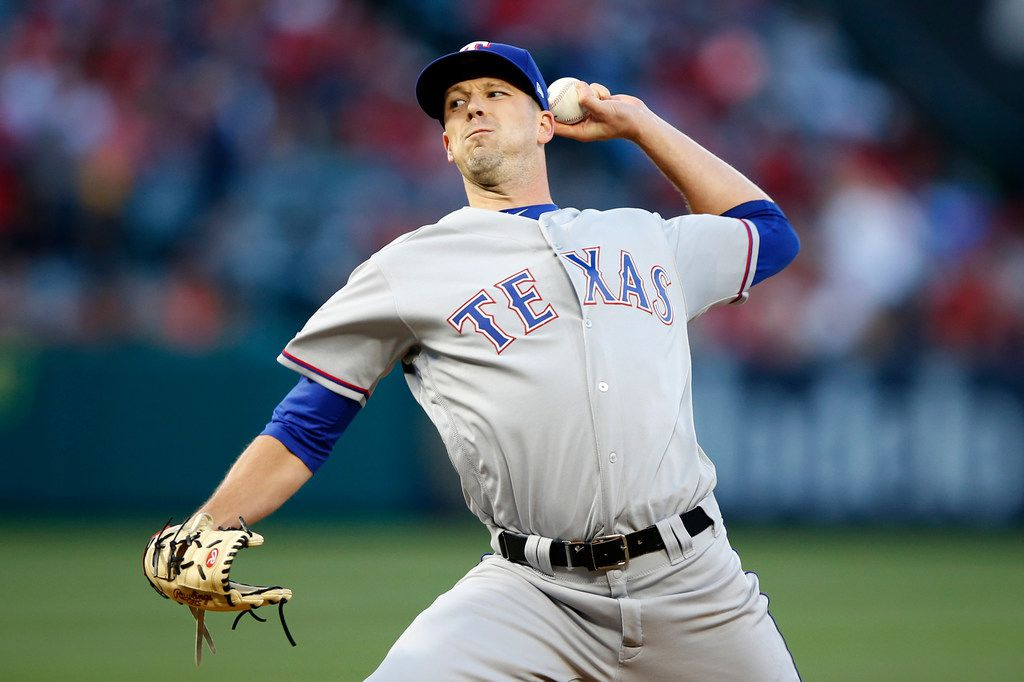 ANAHEIM, CALIFORNIA - MAY 24:  Drew Smyly #33 of the Texas Rangers pitches during the first inning of a game against the Los Angeles Angels of Anaheimat Angel Stadium of Anaheim on May 24, 2019 in Anaheim, California. (Photo by Sean M. Haffey/Getty Images)