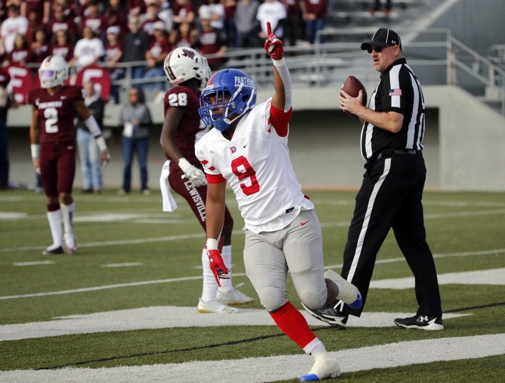 Duncanville running back Trysten Smith (9) celebrates his first touchdown against Lewisville during the first half of their Class 6A Division I area-round football playoff game on Nov. 24, 2018 in North Richland Hills. (Michael Ainsworth/Special Contributor)
