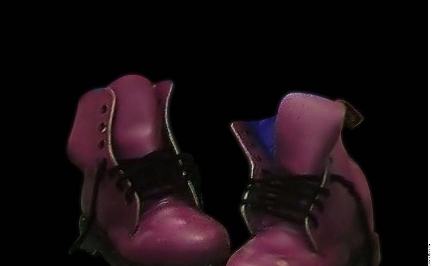 La cantante Alejandra Guzmán compartió la imagen de unos zapatos viejos. / AGENCIA REFORMA
