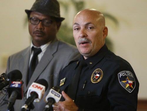 Jonathan Haber, jefe de policía de Balch Springs, anunció el despido de Roy Oliver, implicado en la muerte del adolescente Jordan Edwards.