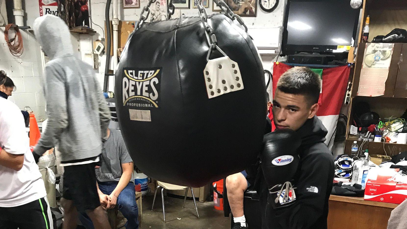 Stephen Acosta entrenó por 10 años en el Vivero Boxing Gym de Dallas.(JAVIER GIRIBET/ESPECIAL PARA AL DÍA)