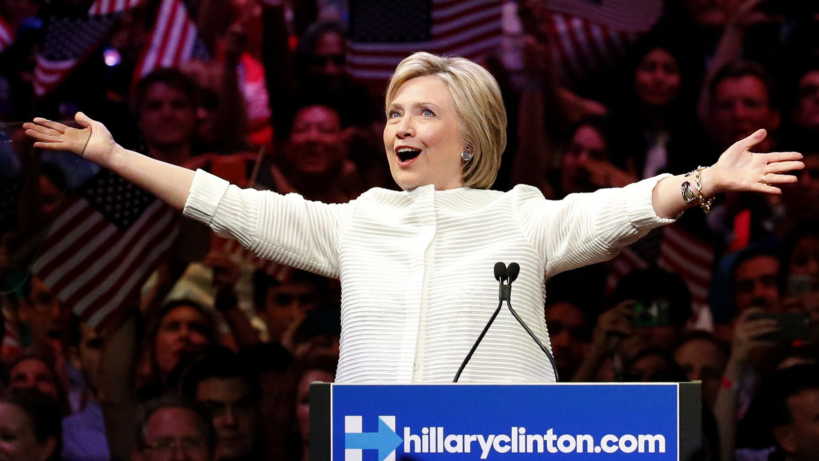Hillary Clinton celebra sus victorias en las primarias de New Jersey y New Mexico, el martes.