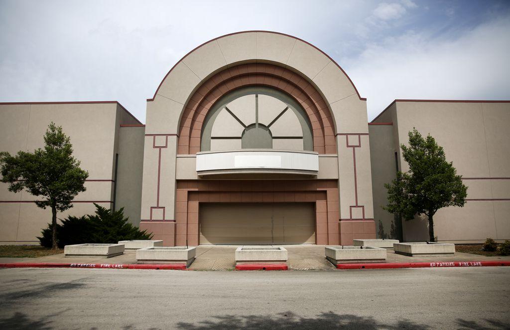 Una vista exterior del Southwest Center Mall, en Dallas. ROSE BACA/DMN