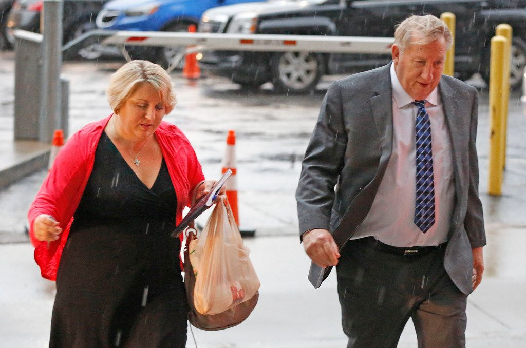 Amy Herrig and her father, Jerry Shults, of the Gas Pipe arrive at the Earle Cabell federal courthouse, downtown Dallas,  on Wednesday, Sept. 26, 2018.