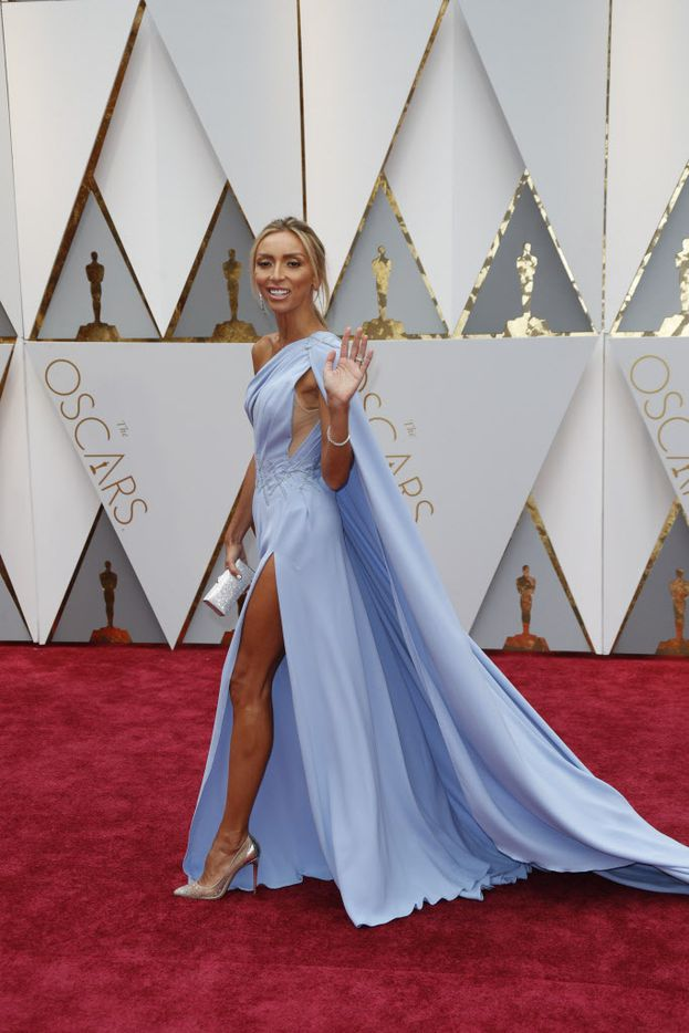Giuliana Rancic arrives at the 89th Academy Awards on Sunday, Feb. 26, 2017, at the Dolby Theatre at Hollywood & Highland Center in Hollywood. (Jay L. Clendenin/Los Angeles Times/TNS)