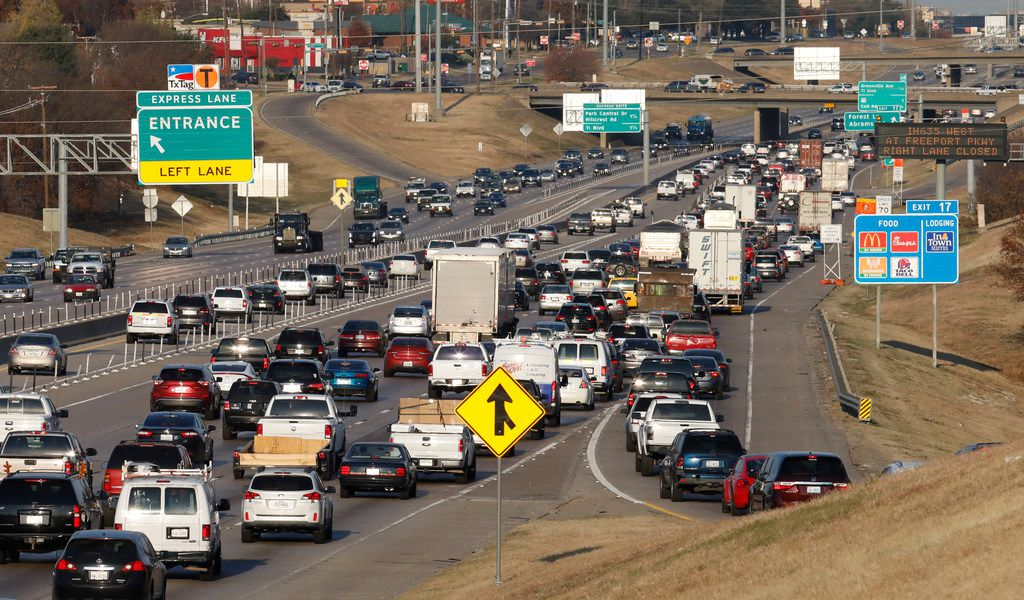 Early morning westbound traffic merges onto I-635 near Forest Lane Thursday, December 14, 2017.