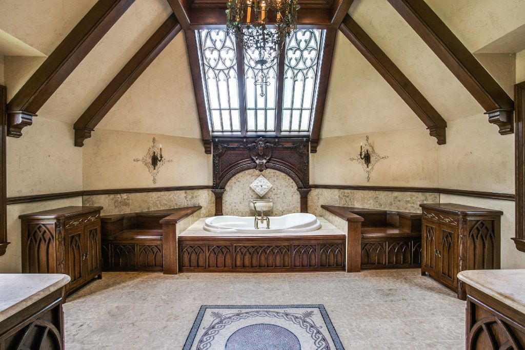 The master bathroom of the Sam Wyly house at 3905 Beverly Drive in Highland Park.