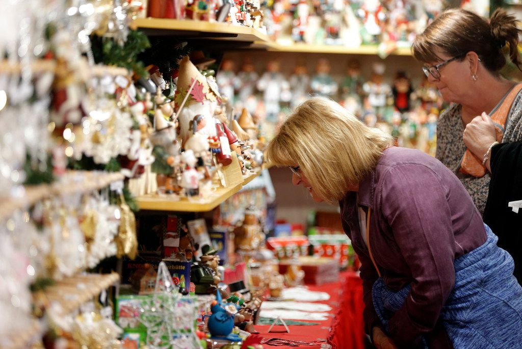 Dallas-Fort Worth is stocked with Christmas markets and holiday pop-ups. Here's a list of all the notable shopping spots in North Texas this holiday.