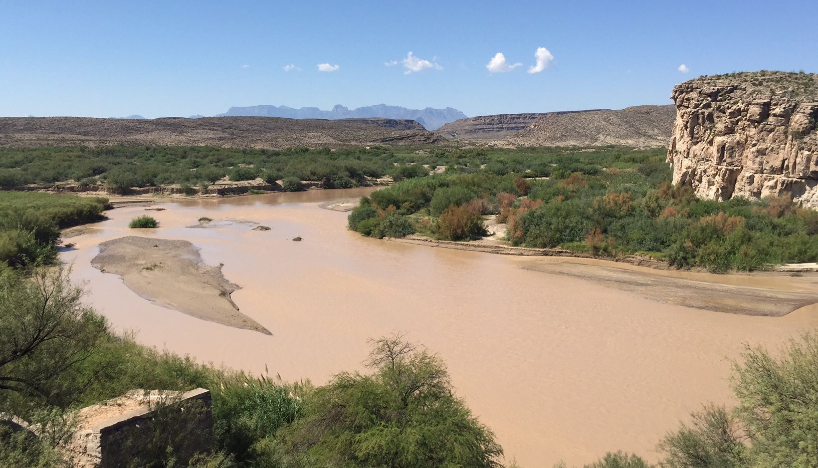 The Rio Grande divides Big Bend National Park from Mexico and the tiny village Boquillas del Carmen. The park shares 118 miles of border with Mexico.