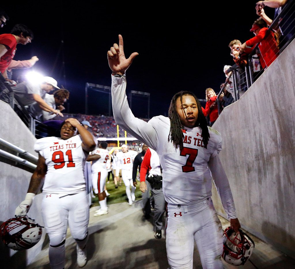 Texas Tech Red Raiders quarterback Jett Duffey (7) waves to fans as he walks off the field at Amon G. Carter Stadium in Fort Worth, Thursday, October 11, 2018. The Red Raiders defeated TCU, 17-14.  (Tom Fox/The Dallas Morning News)