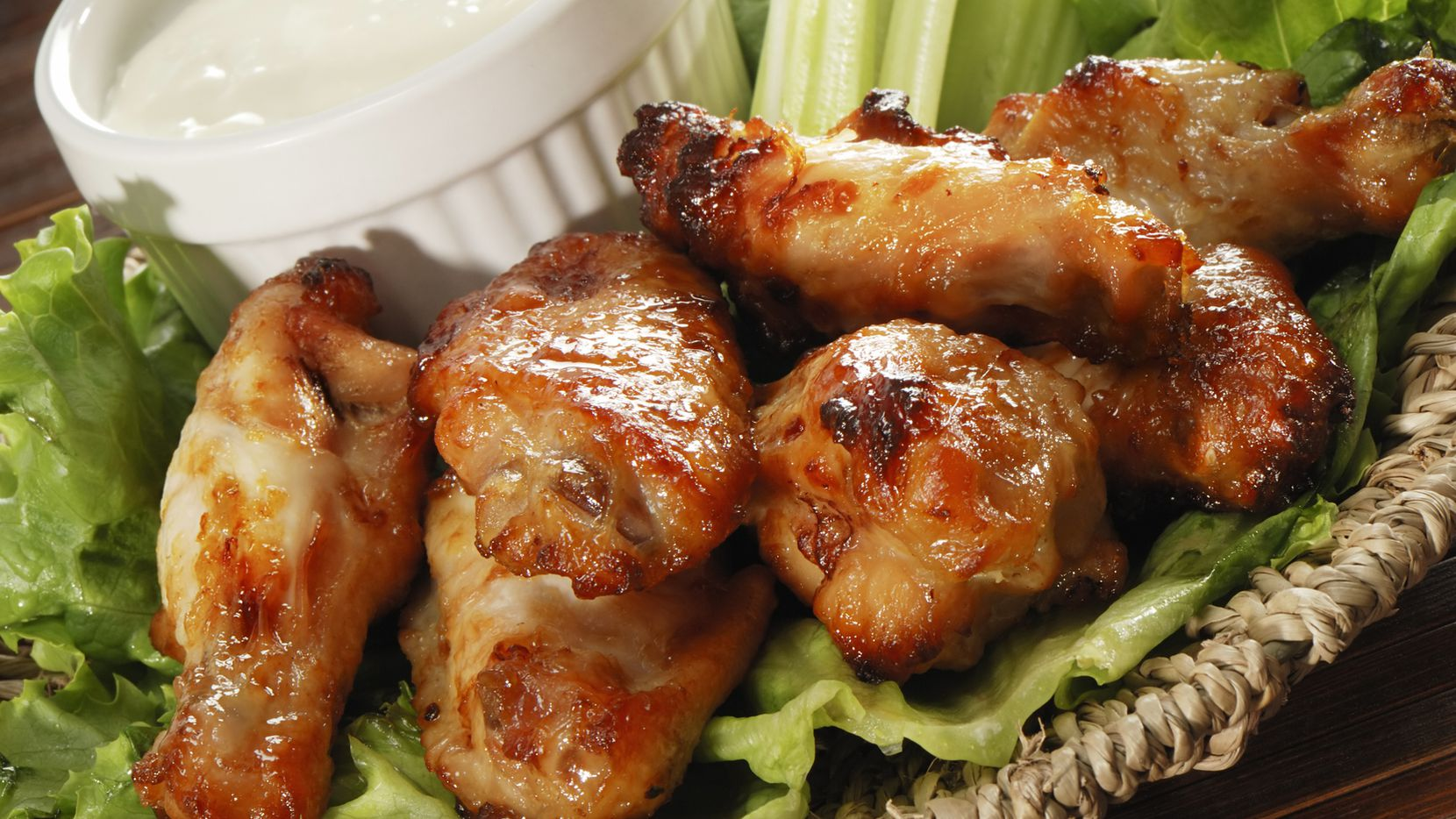 Celebra el National Chicken Wings Day. /ISTOCK
