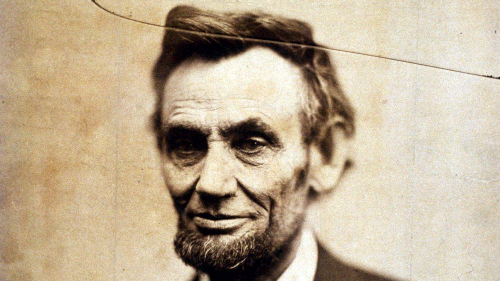 Retrato de President Abraham Lincoln tomado el 5 de febrero de 1865, ahora en exhibición en el National Portrait Gallery de Washington, D.C.