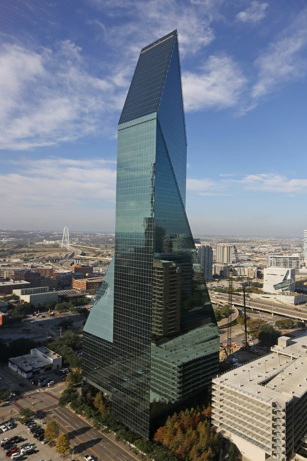 The Fountain Place building . (Louis DeLuca/The Dallas Morning News)