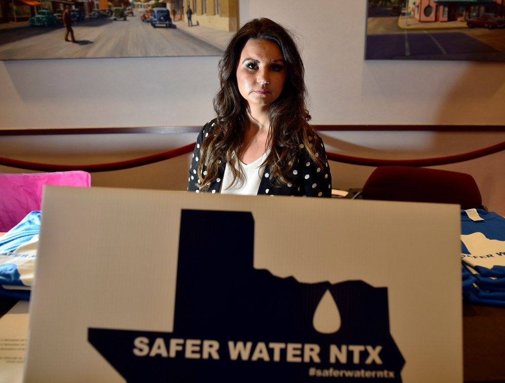 """Jamie Stephens, co-founder of the Safer Water North Texas Facebook group, at """"The Truth About Your Tap Water & What You Can Do About It!"""" forum the Garland Plaza Theatre, May 15, 2018."""