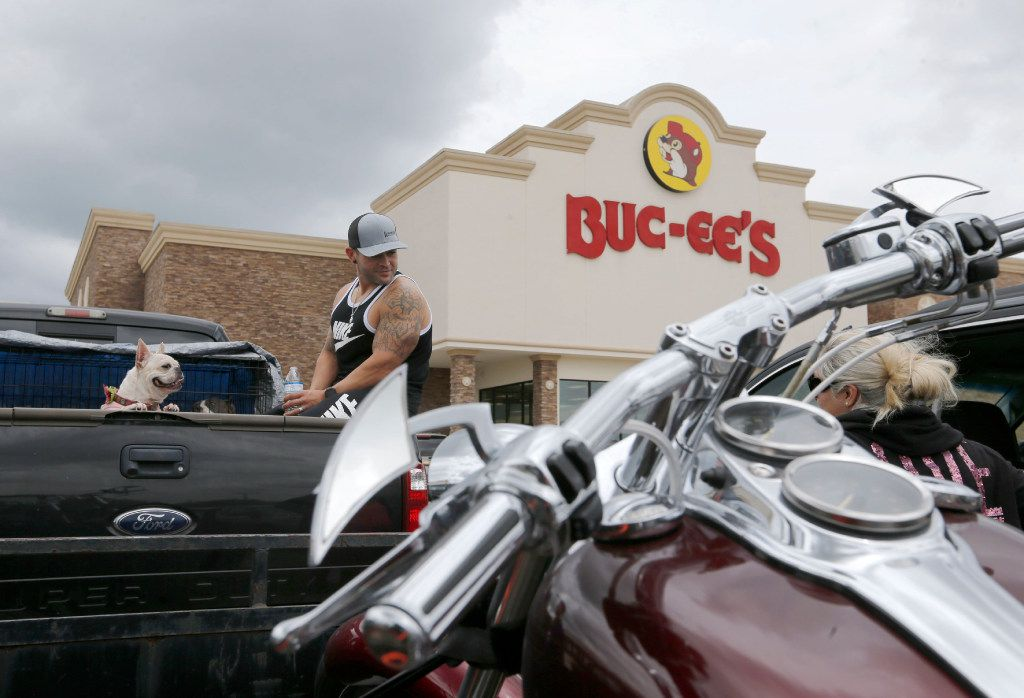 2 Buc-ee's gas stations are expected to open in North Texas