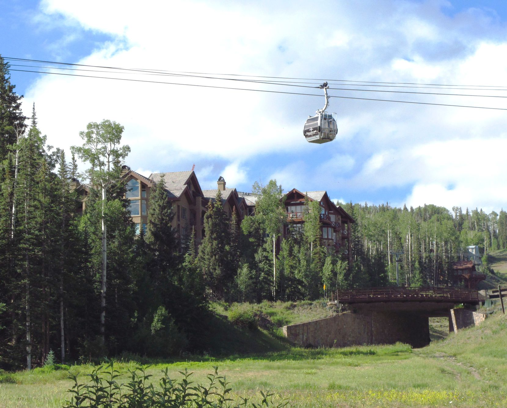 An innovative gondola system provides continuous free transportation between Telluride and Mountain Village.