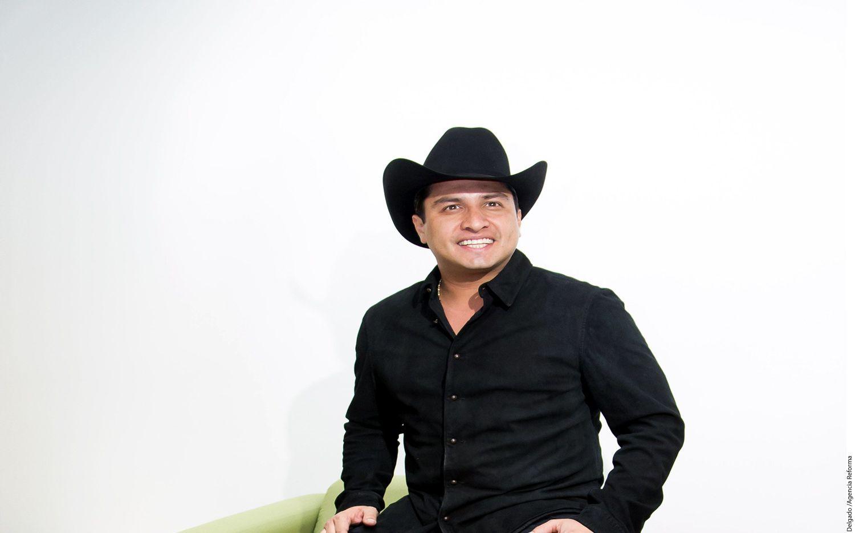 El cantante Julión Álvarez espera que este año no sea el mejor, pues quisiera más años así. El mexicano destacó que el 2015 fue muy bueno, en cuanto a reconocimientos y eventos exitosos./AGENCIA REFORMA