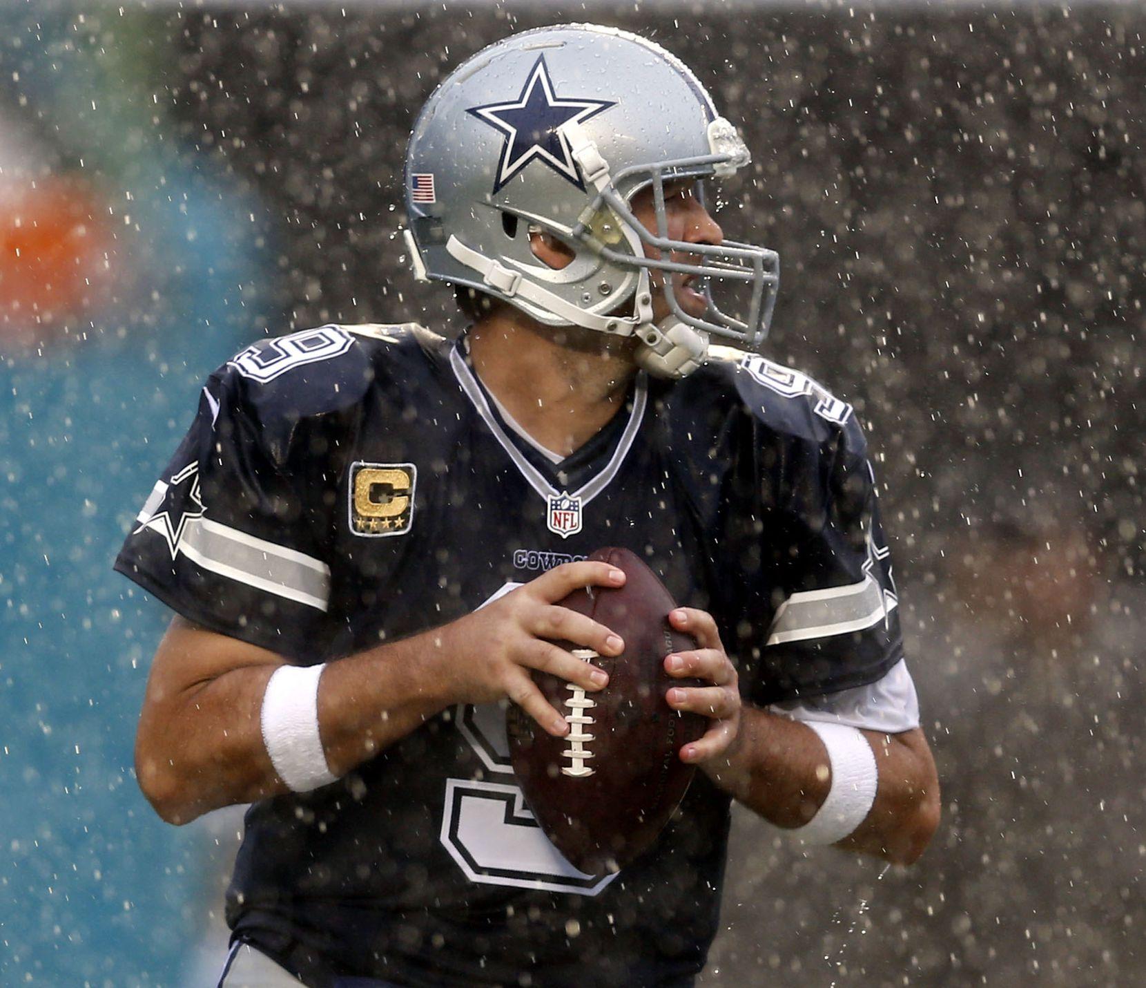 Tony Romo jugó su primer partido con Dallas desde el 20 de septiembre.