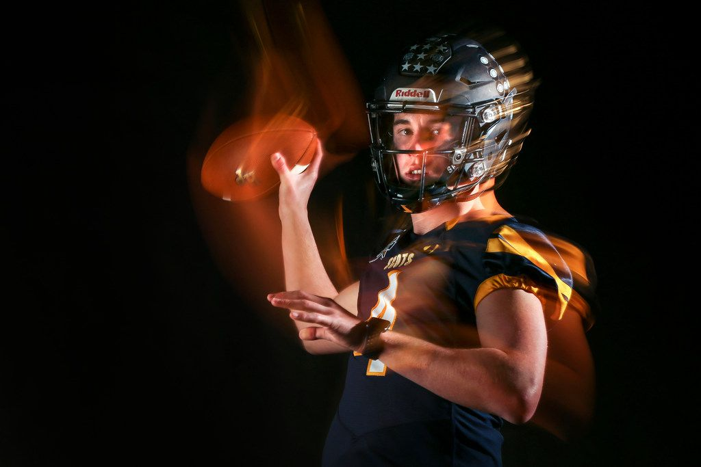 Highland Park quarterback Chandler Morris poses for a photograph Monday, Jan. 7, 2019 in The Dallas Morning News photo studio. (Ryan Michalesko/The Dallas Morning News)