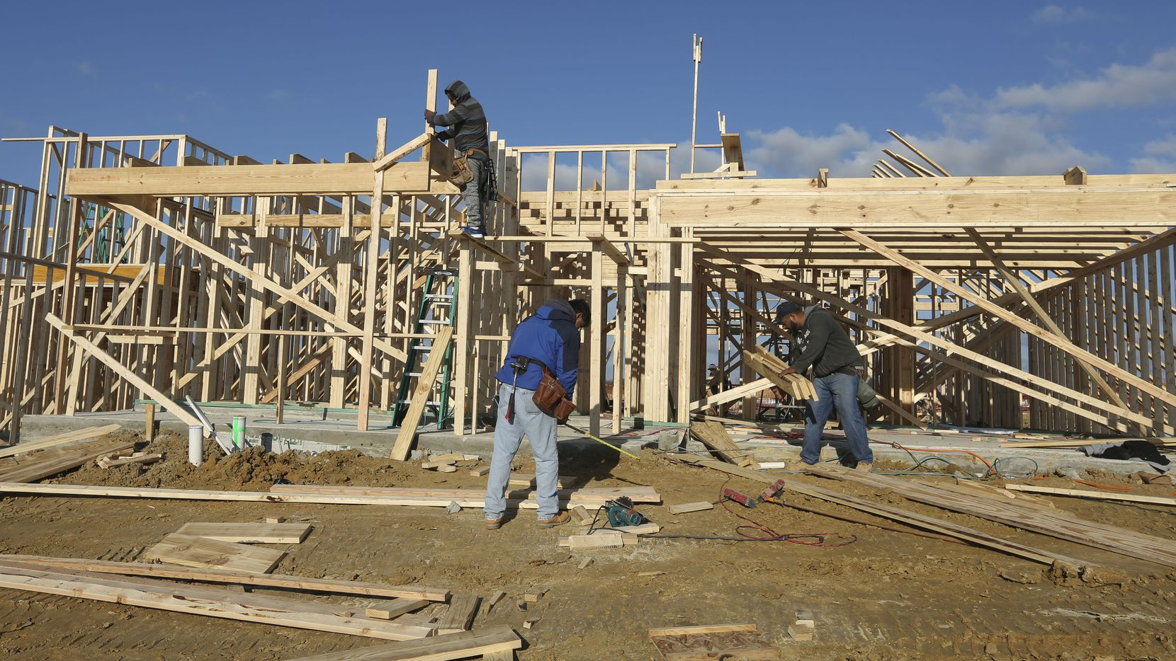 Builders have started almost 35,000 houses in the D-FW area in the last year.