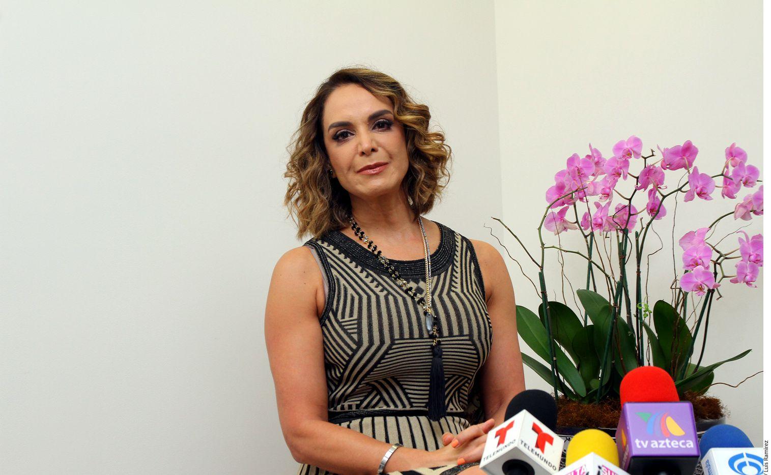 En días pasados, la ex reina de belleza Lupita Jones (foto) declaró que no estaba de acuerdo en la participación de Miss España, Ángela Ponce (transexual), en Miss Universo 2018 que se llevará a cabo en Tailandia./ AGENCIA REFORMA