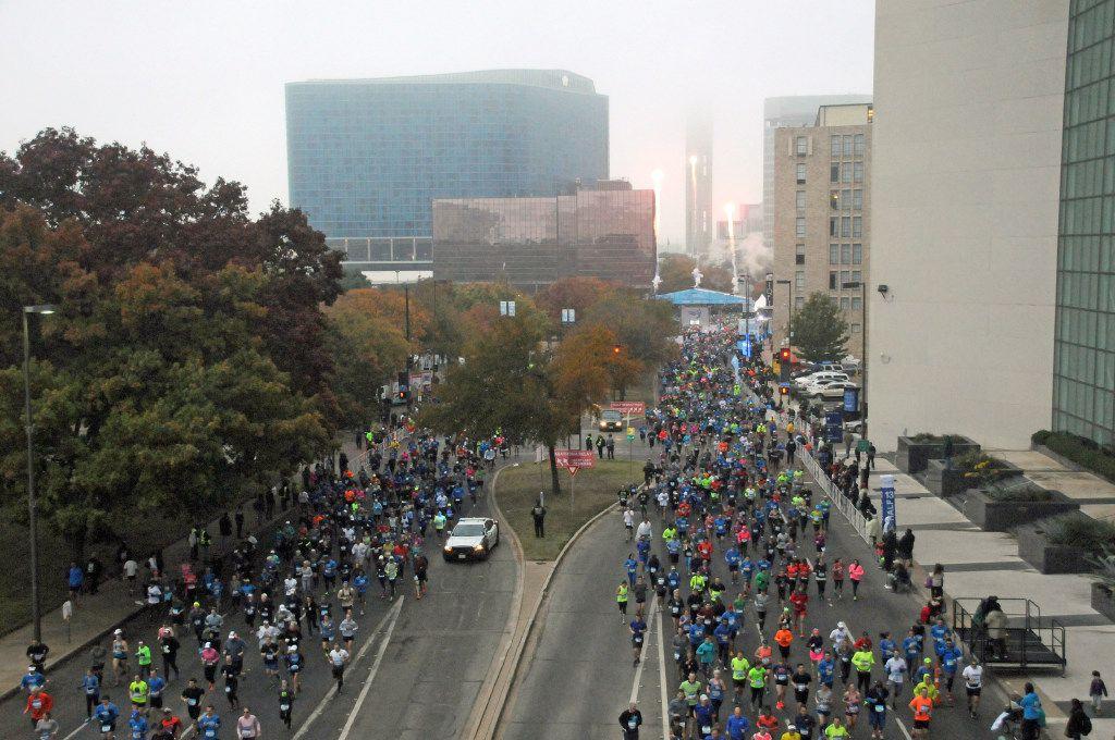 View of the start of the BMW Dallas Marathon