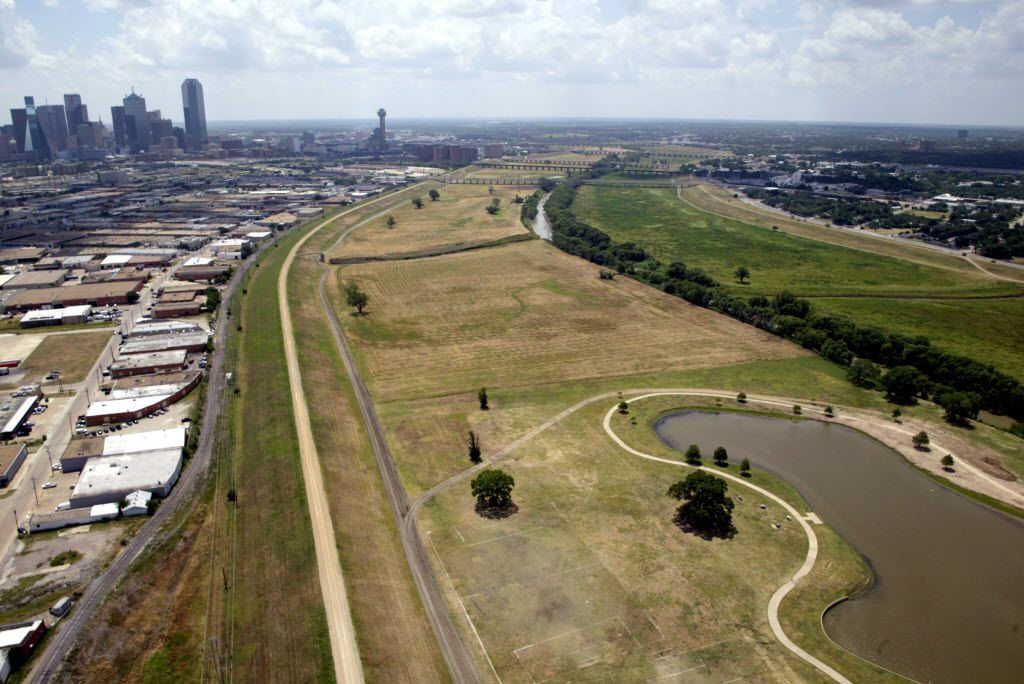 The Trinity River toll road would run along the eastern levee just west of downtown Dallas. DMN file photo.