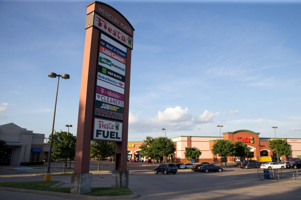 West Cliff Shopping Plaza at 2225 W. Ledbetter Drive on June 26, 2016 in Dallas, Texas. (Ting Shen/The Dallas Morning News)