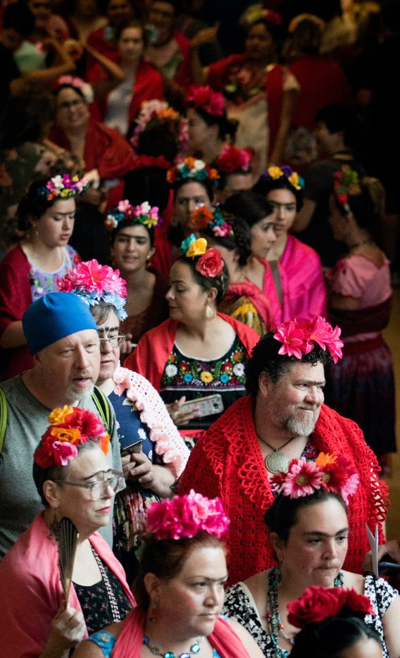 Dozens of Frida look-alikes stand in line at the Dallas Museum of Art during an attempt to break the Guinness World Record.