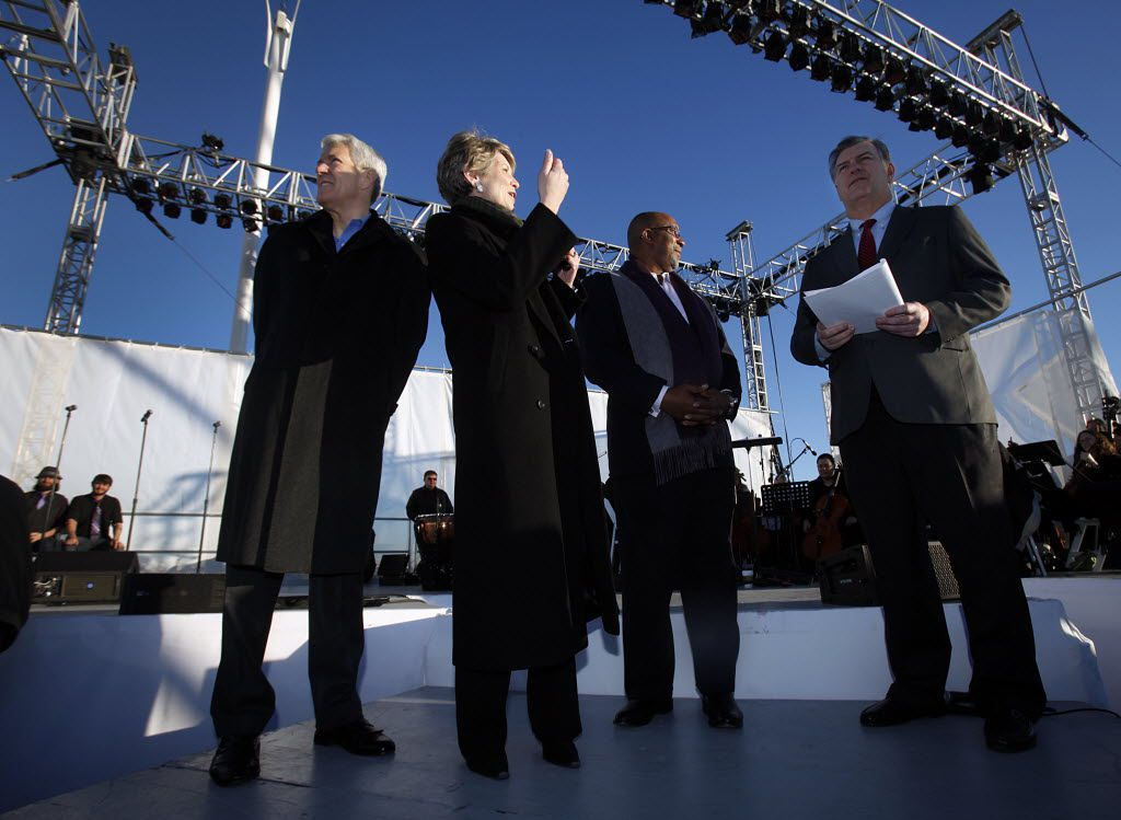 Former Dallas mayors (from left) Tom Leppert, Laura Miller and Ron Kirk, with current Mayor Mike Rawlings at a ceremony in 2012, are co-chairing a group supporting the city's plans for the pension system. (File Photo/Tom Fox)