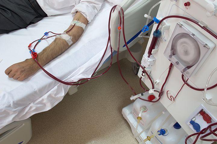 La diálisis a largo plazo no es recomendable, por ello se recomienda a los pacientes que busquen el trasplante de riñón.