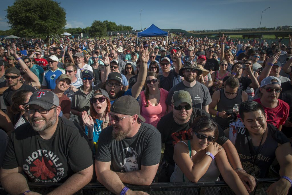Toadies fans brave the heat at Martin House Brewing Company in Fort Worth, Texas on June 26, 2016.