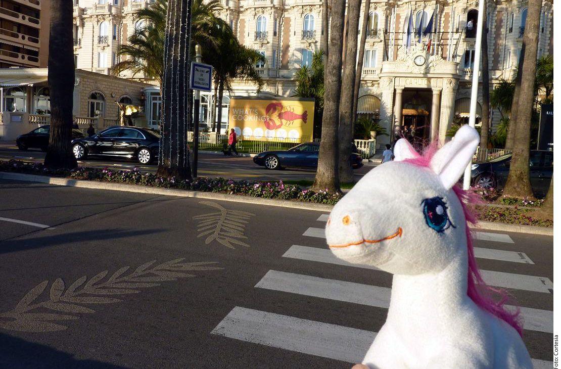 La agencia promete fotografiar a los peluches en los sitios más emblemáticos de Francia. AGENCIA REFORMA.