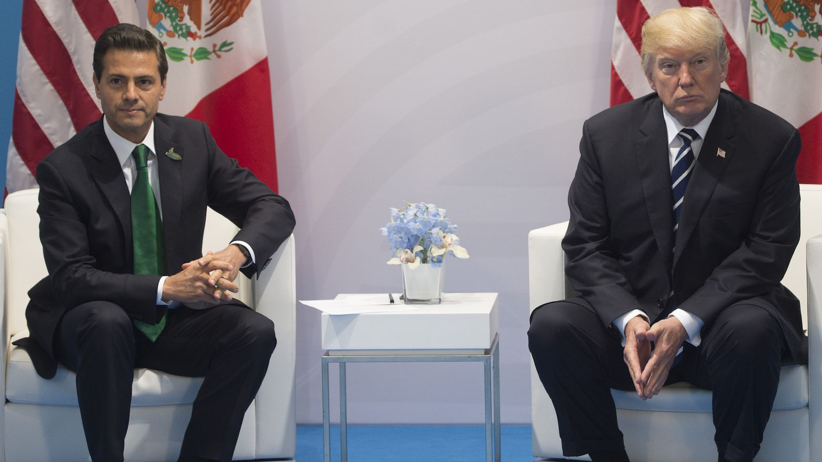 Enrique Peña Nieto y Donald Trump, en una reunión de presidentes en  Alemania, en julio. GETTY IMAGES.