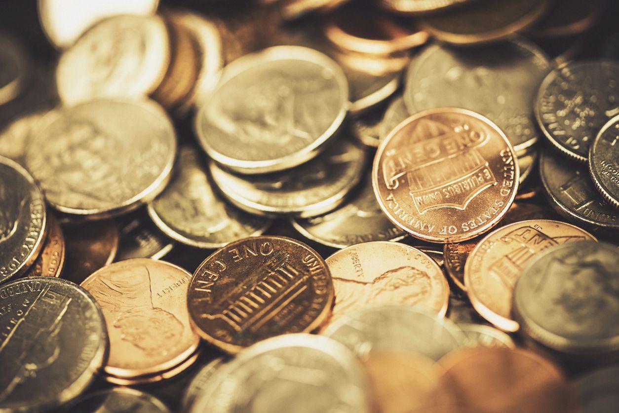Hombre paga impuestos con 725 kilos en monedas / iStock