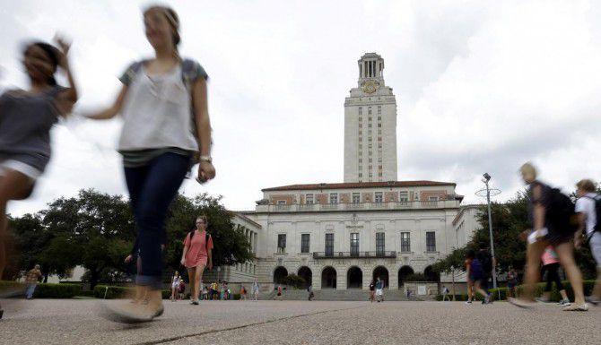 La Universidad de Texas en Austin debe volver a defender su sistema de admisiones multifacético, en donde el origen étnico y económico es uno de los factores a considerar. (AP/ERIC GAY)