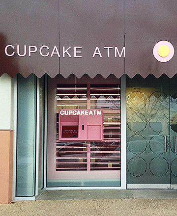 Cupcakes se entregan en ATM en Sprinkles en Dallas. Foto cortesía