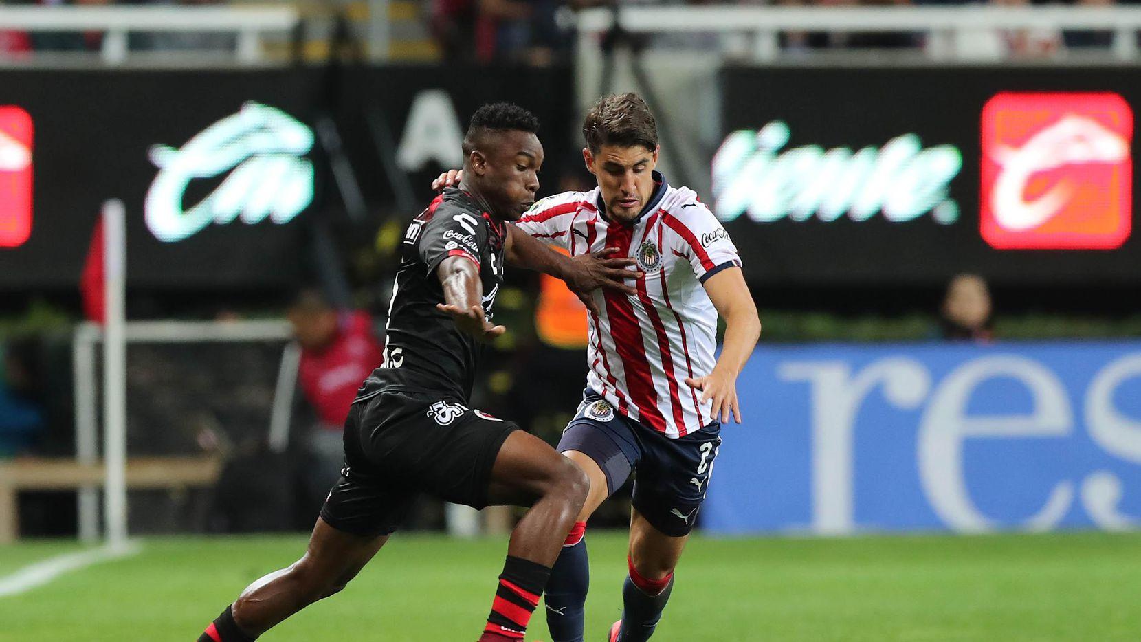 Fabián Castillo (izq.), ex jugador del FC Dallas, es el número 10 de Xolos, dirigido por Óscar Pareja. (Getty Images/Refugio Ruiz)