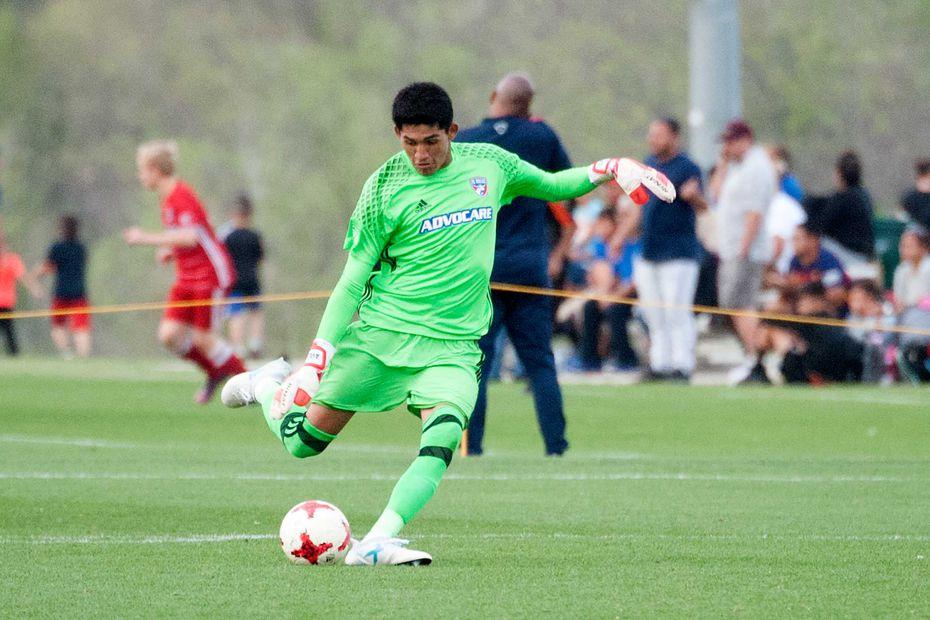 Carlos Avilez, playing for the FC Dallas U19s in the 2019 Dallas Cup.