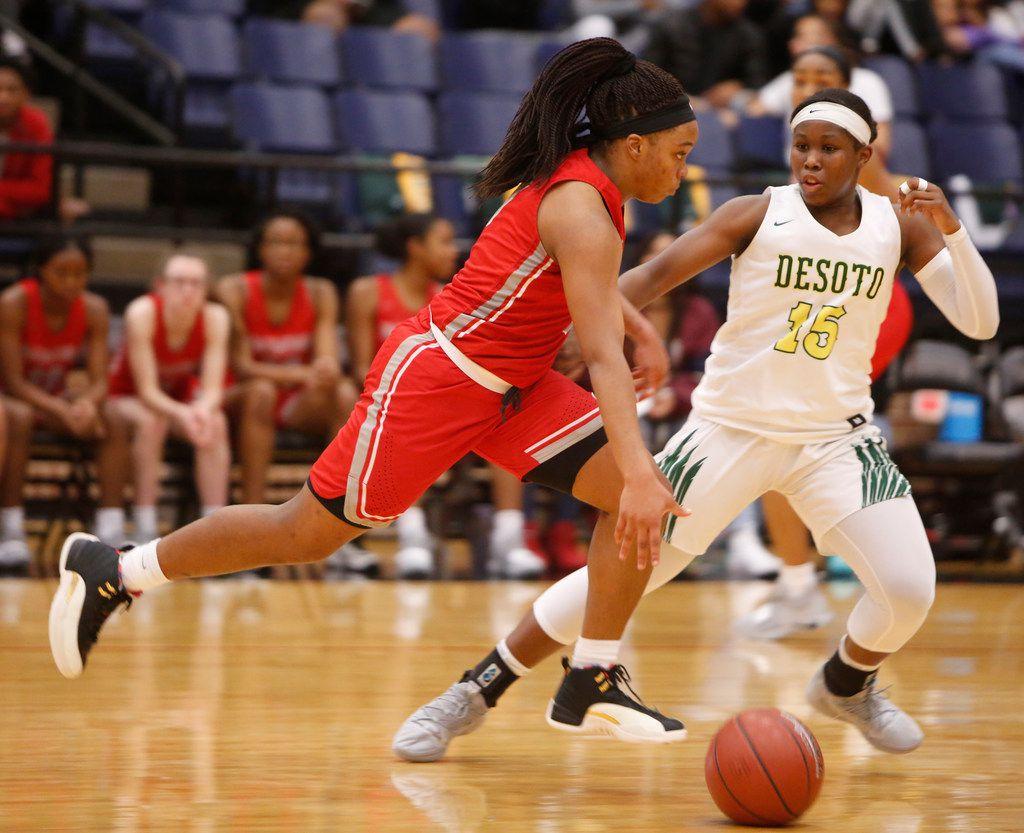 Girls basketball playoffs: Freshmen spark DeSoto's rout of