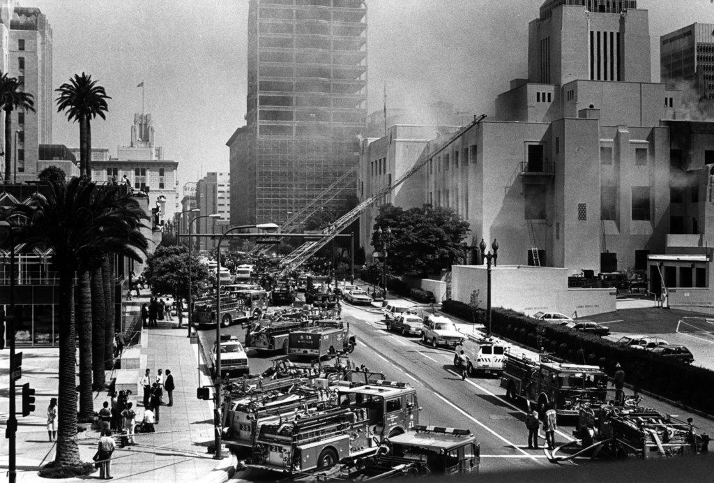 Firefighters battle the fire at the Los Angeles Public Library in 1986.
