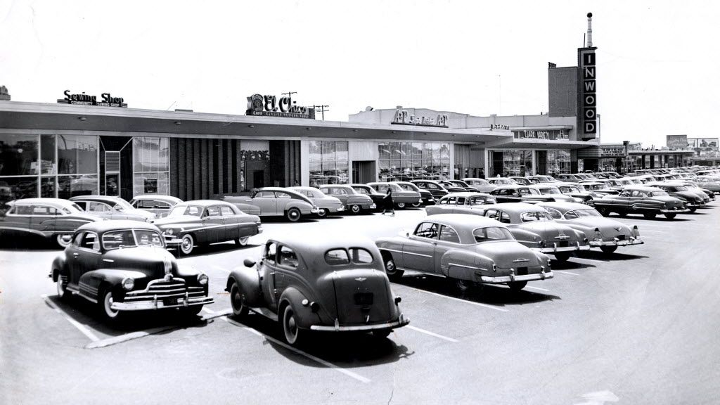 The fifth-ever El Chico was in Inwood Village, seen here in 1952.  (File photo)